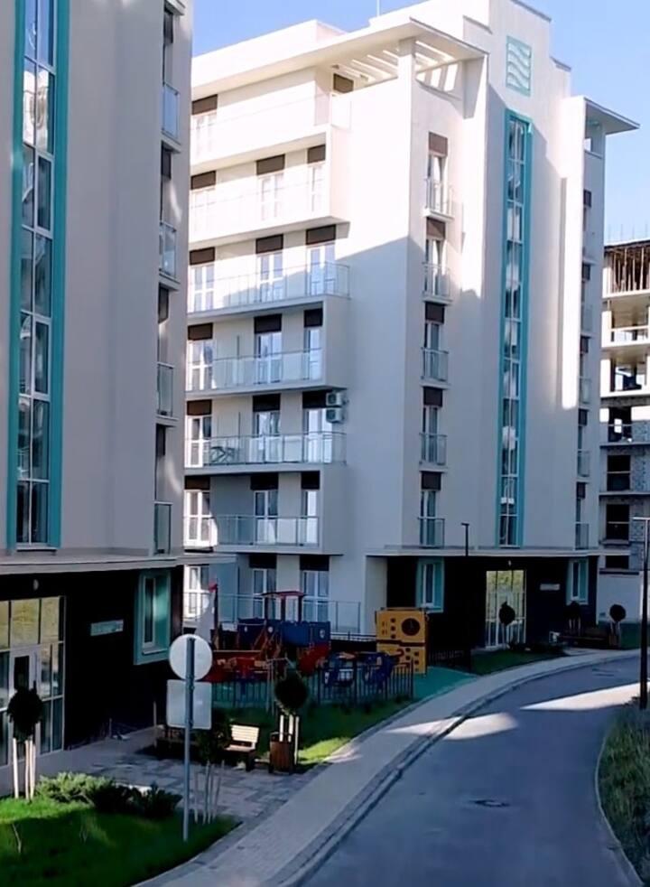 Апартаменты с  открытой террасой на 1-й линии моря