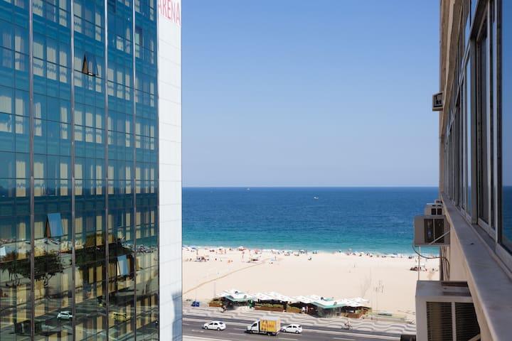 Quarto com vista mar em Copacabana