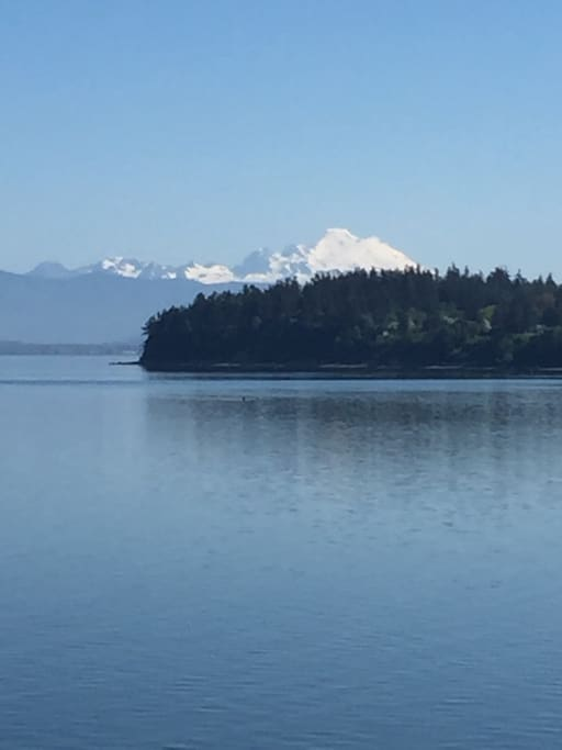 Beautiful views of glacier Mt. Baker.