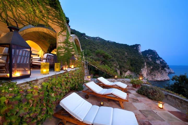 Private Retreat in an  Inspirational Setting - Vietri Sul Mare - วิลล่า