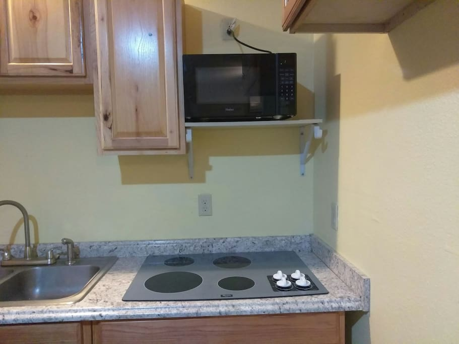 Cooking Range & Microwave