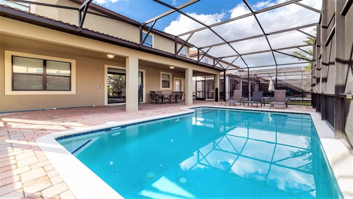 Championsgate 7BR home private pool, steps to club