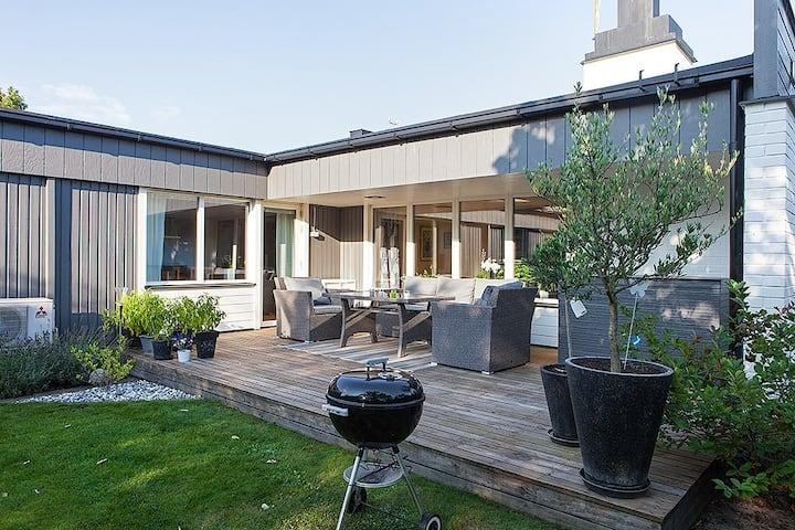 Familjärt hus i sommarstaden Kalmar