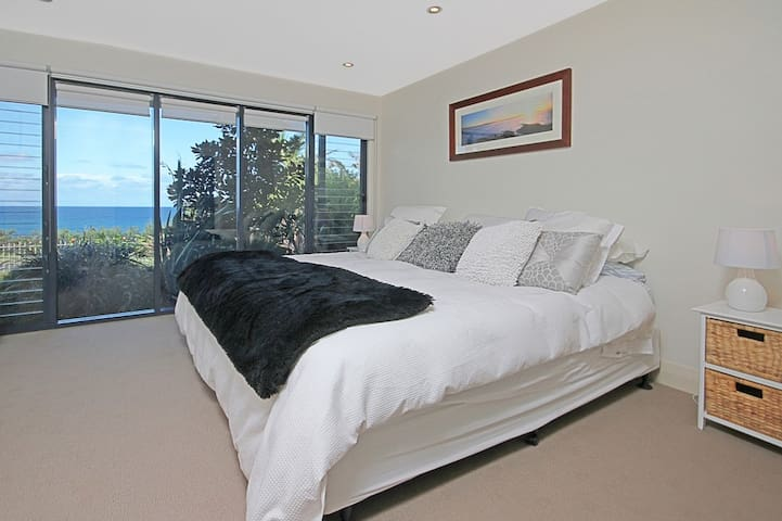 Superb Ocean Front 1 Bedroom appart - Dolphin Point - Apartment