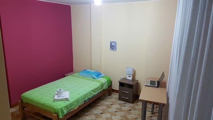 Chez l'habitant à Lima - 1 Lit 1.5 place