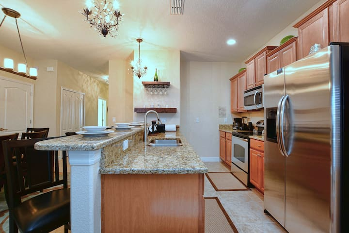 Gorgeous 5 Bedroom Holiday Home - Candy Palm 8933 - Four Corners - Apartamento