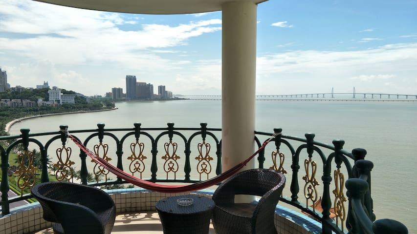 拱北口岸那片海海景五室公寓