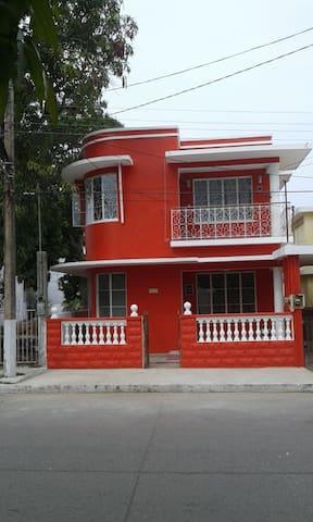La. Casa de Güicho cuarto B