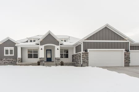 Bluffdale Modern Farmhouse - Riverton - Ev