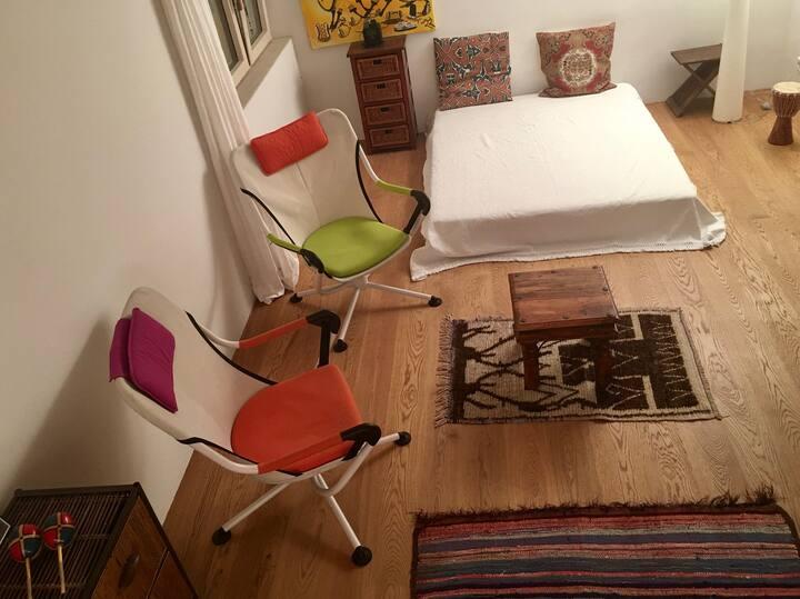 2 bedroom design apartment in green Munich suburb