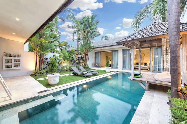 Great Location 3BDR Private Villa at Berawa Canggu