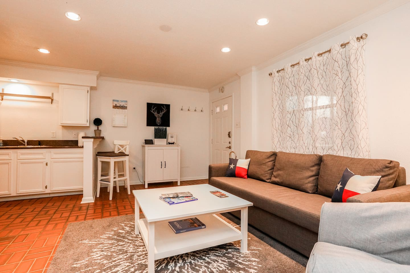 Ample living room & greeting counter.