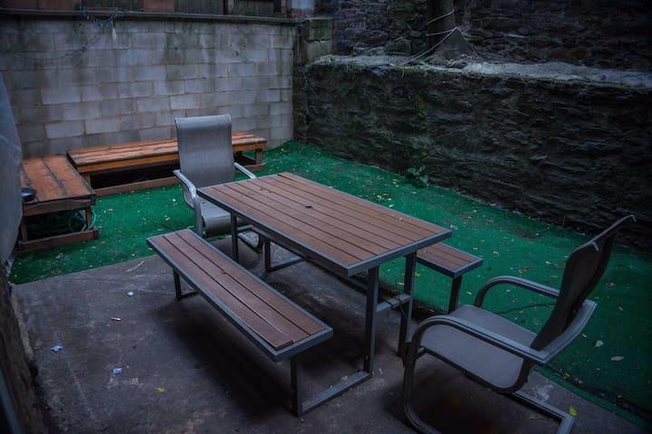 Cozy Shared Room In Manhattan near Central park 1