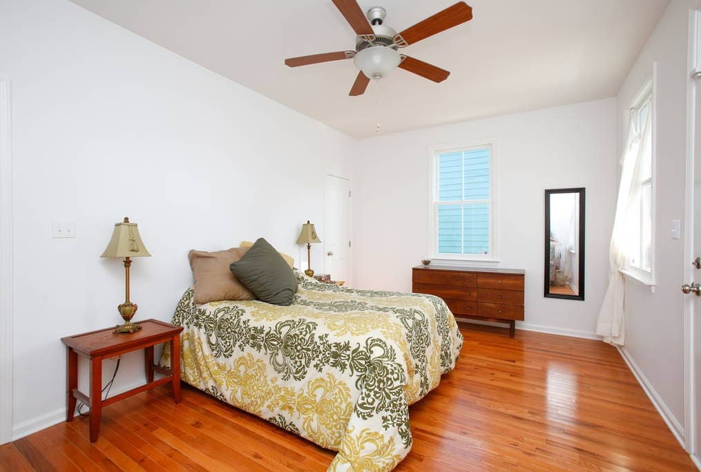 1 Bedroom House With Bikes In Bywater Houses For Rent In New Orleans