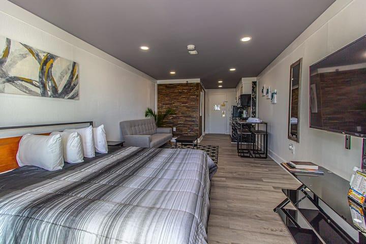 Renovated Ocean View King Suite~Sea Mist 51503