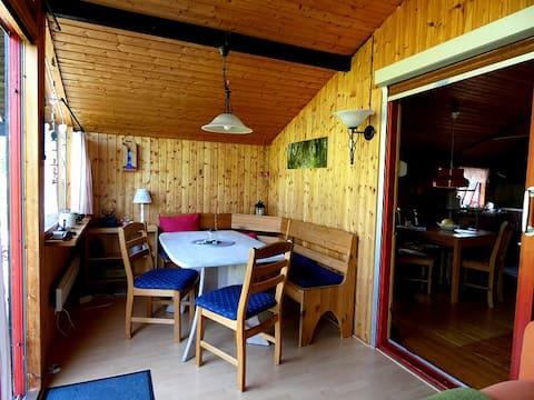 Ferienhaus mit Blick auf die Treene