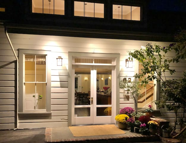 Boutique Hotel in Downtown Sausalito