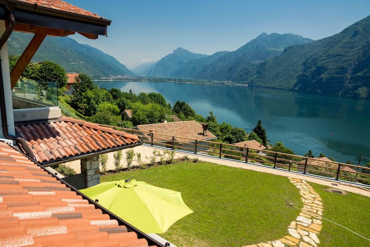 One room apartment Vite,  with beautiful lake view, free Wi-Fi, common garden and parking