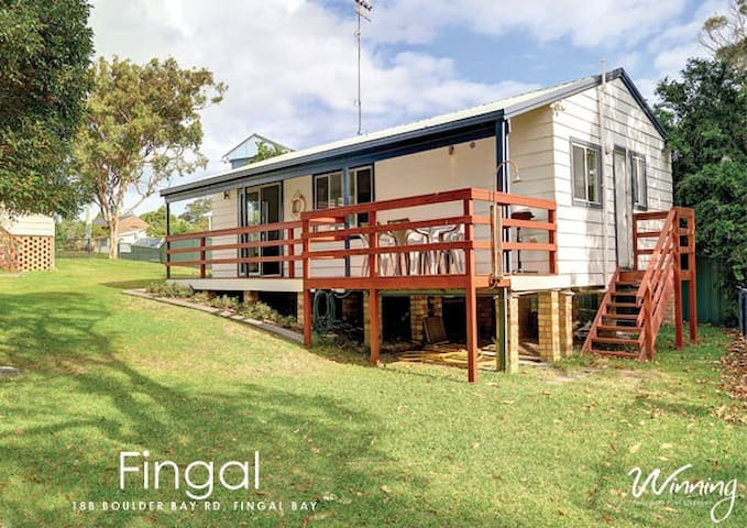 Fingal Bay Beach House - Fingal Bay - Haus