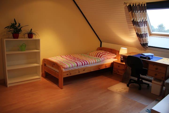 Gemütliches Zimmer zu vermieten - Delmenhorst