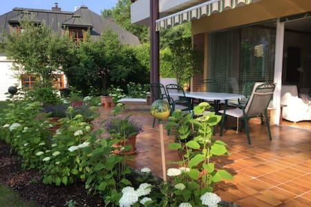 90m2Traumapartement + 35m2 Terrasse + Traumgarten - Villach - Apartament