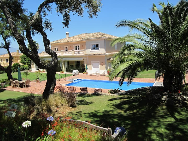 Superbly located golf front villa by Sotogrande.