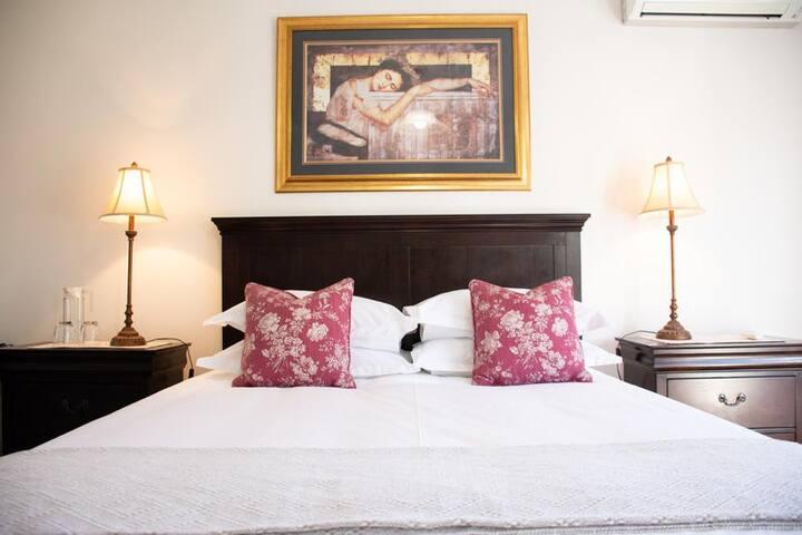 Gardiol Country House The Hofmeyr Room