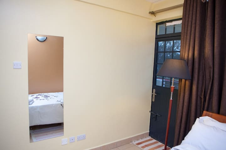 Emy 1bedroom apt, Westlands!