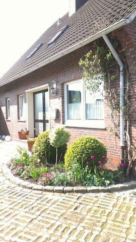 Wohnung 02 @ Haus Annegrete - Bensersiel  - Apartament