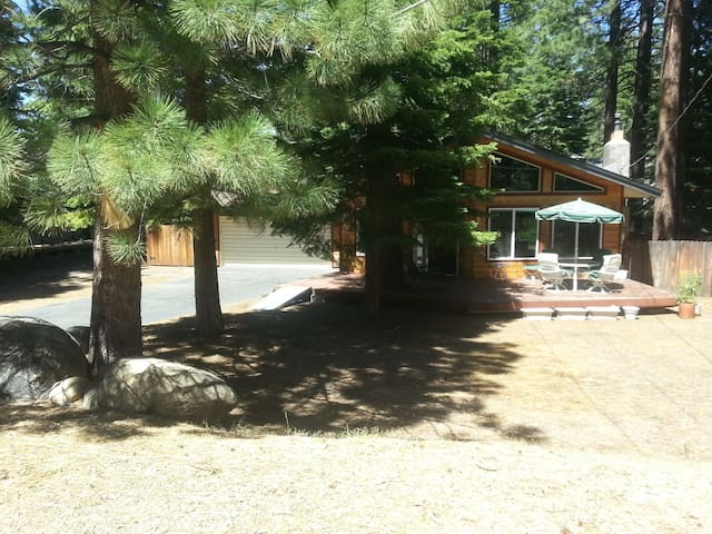 Nice room in a small, newly remodeled home. - South Lake Tahoe - Casa