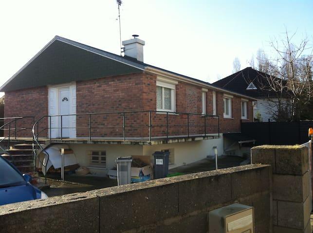 Maison individuelle tout confort - La ville-du-Bois