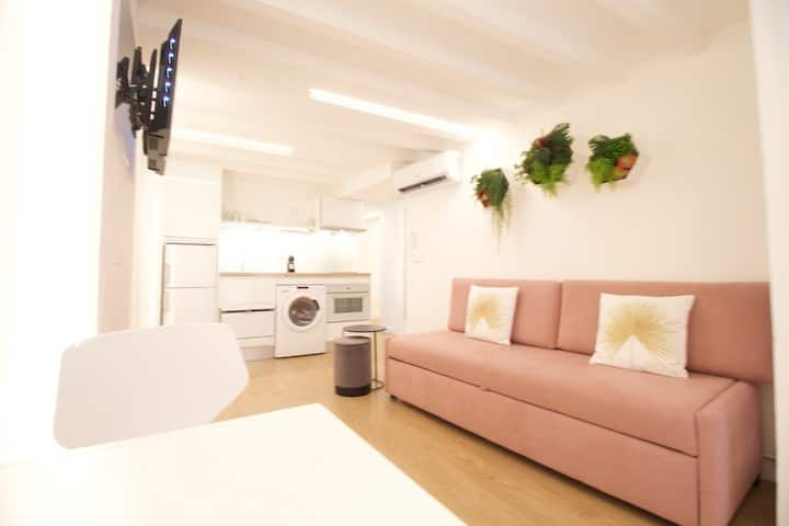New Apartment in the Heart of Palma / AC