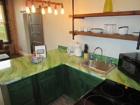 Apartment 4, The Clark Suite