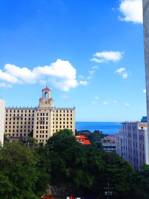 View to the National Hotel and the sea of Malecón