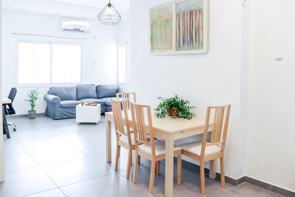 Got up from the sofa to make yourself an espresso? Thanks to the open planned living space you won't miss a beat of the conversation in the living room