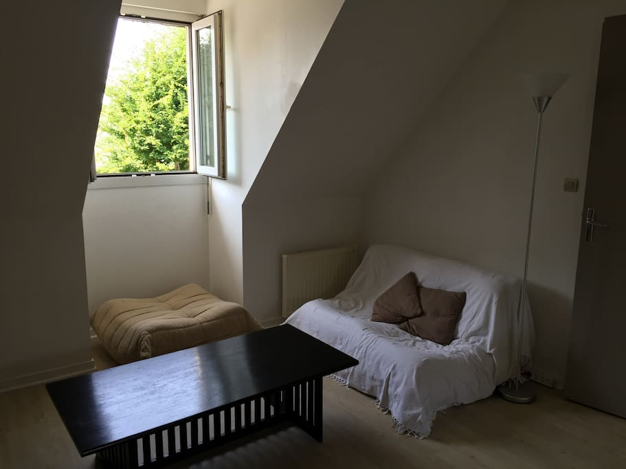 studio meubl caen nord wi fi 2 9 mois apartments for rent in saint germain la blanche herbe. Black Bedroom Furniture Sets. Home Design Ideas