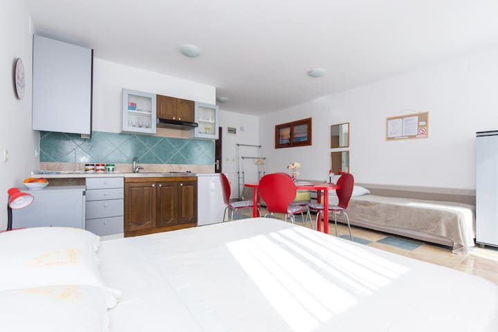 Studio apartment LANA - Mošćenička Draga - Pis