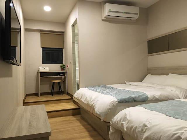 琉戀客佔 Boutique HOTEL 親子四人套房(一大一小床)可當三人房 Triple room - Luodong Township