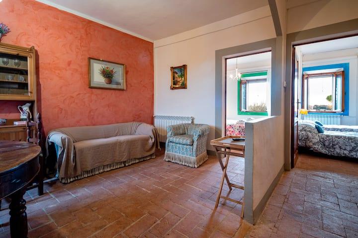 Casa nel vecchio convento di Siena con giardino