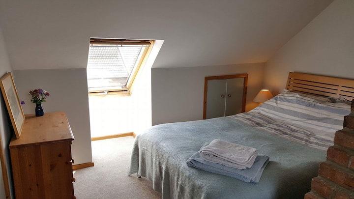 Comfy double en suite rooms near town centre