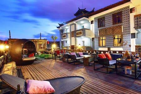 梵尔巴艺术精品房间 - Lijiang