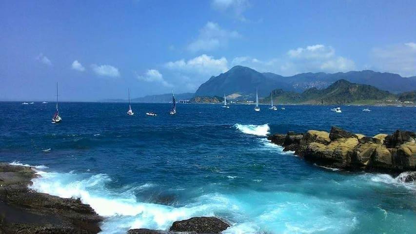 天氣好的時候,在潮境公園經常可以看到帆船出遊。