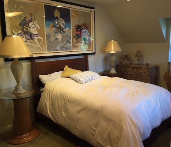 Private guest room. - Toluca Lake - Casa