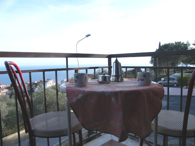 Apartment - 5 km from the beach - Costarainera - Appartement