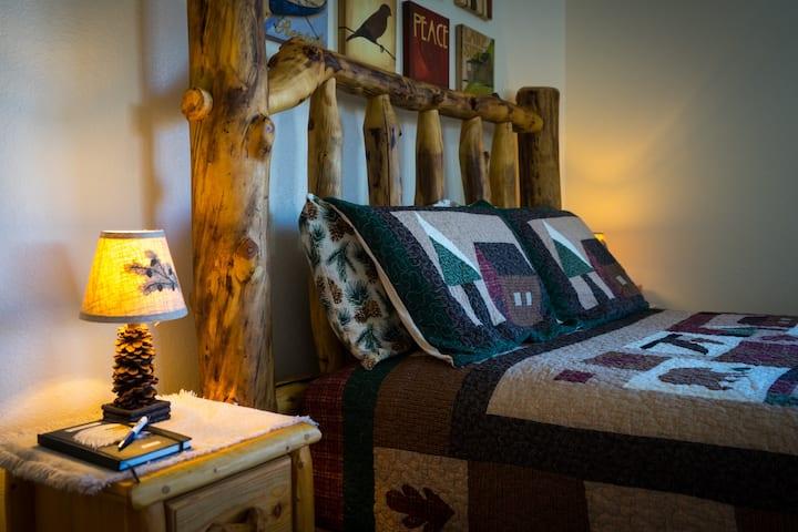 Mt. Yale Room - Buffalo Peaks Bed & Breakfast