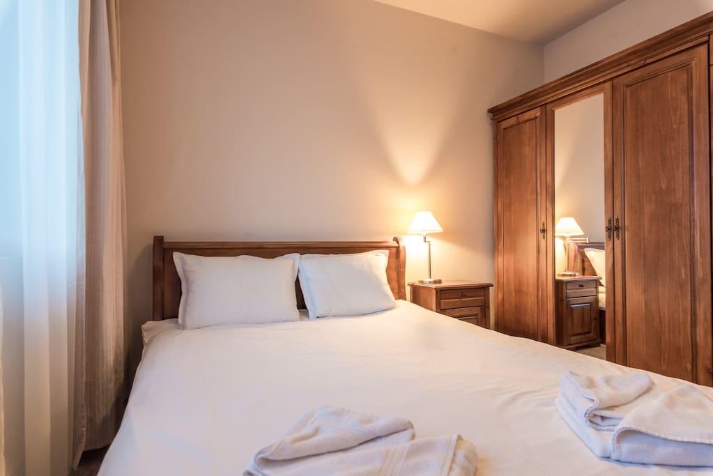 Double Bedroom, linen & Towels supplied