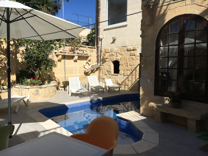 Room in old town house in Victoria-Rabat, Gozo