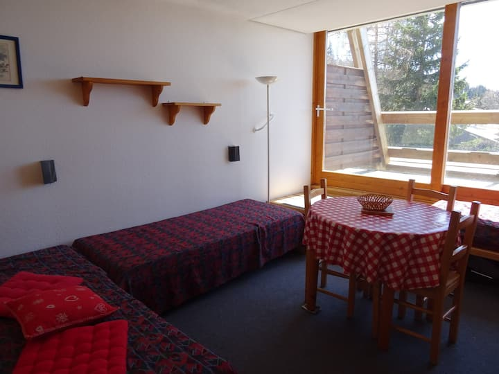 Large studio for 2 persons in Arc 1600 next to the slopes and close to shops