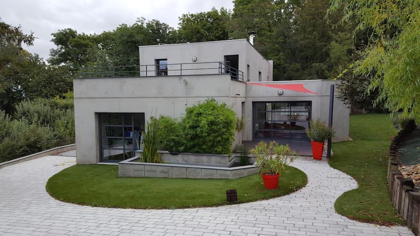 maison d architecte au calme - Romagnat - Ev