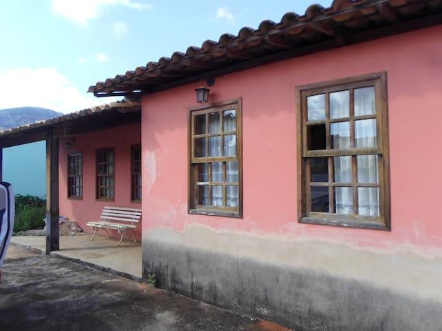 Casa Rosa de Cabeça de Boi - MG - State of Minas Gerais - House